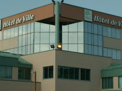 Hotel De Ville La Prairi