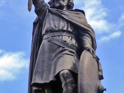 Statue  Alfred Le  Grand     Winchester