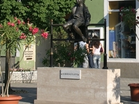 Statue of the Litle Queen