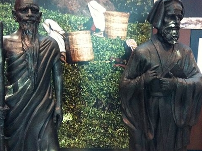 Statues Of Faxian And Marco Polo