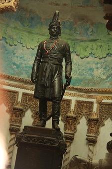 Statute Of The Maharaja Of Balrampur, Shri Dijvijay Singh