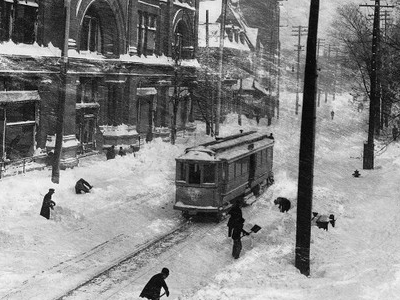 Stormy Day  2 C  St .  Catherine  Street  2 C  Montreal  2 C  Q