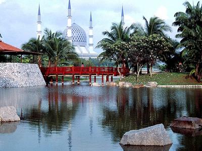 Sultan Salahuddin Abdul Aziz Shah Mosque - Shah Alam