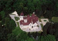 Szeleste Palace