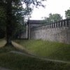 Side Wall With Gate