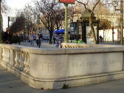 Saint-François-Xavier Station