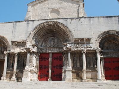 Saint   Gilles Du  Gard     Porche