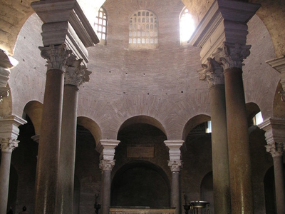 Santa  Costanza Interior