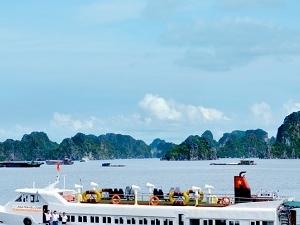 Bai Tu Long & Quan Lan Island 2 Days Photos