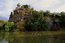 Temple Sybille At Parc Des Buttes Chaumont