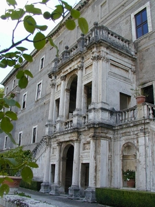 Pirro Ligorio Gran Loggia On The Garden Front