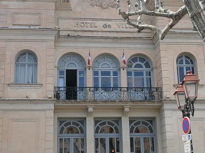 The City Hall Apt