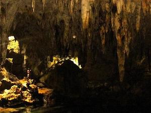 Hinagdanan Caverna