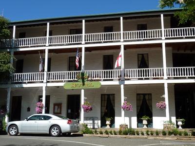 The Landmark St. George Hotel In Volcano