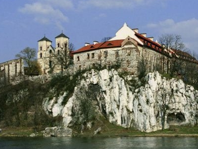 The-monasteries-of-Bielany-Mogiła-and-Tyniec