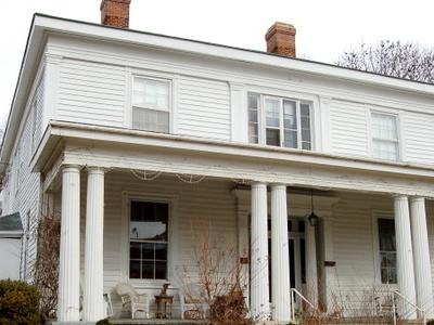 The Wilson Christmas Davis House On Macon Street. One Of Many Du