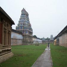 Thiruvarur Temple Outer Praharam
