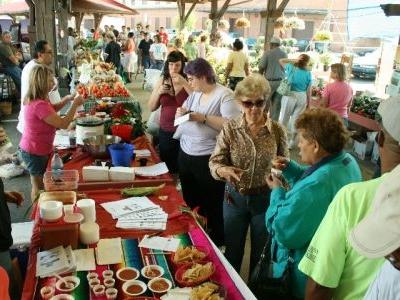 Toledo Farmers Market Crowd