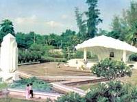 Túmulo de Junior Doutor Nguyen Sinh Sac