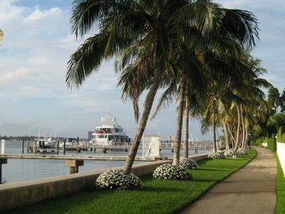 Town Of  Palm  Beach    Lake Bikeway