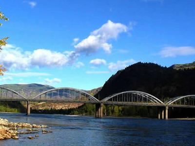 Trail Bridge Crosses Columbia River