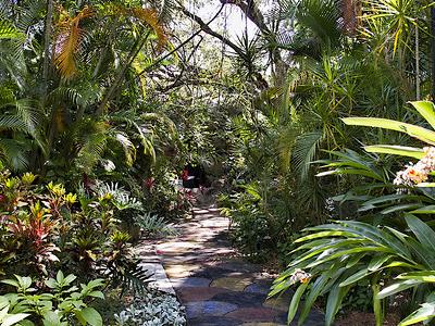 Trail Sunken  Gardens  - St. Petersburg