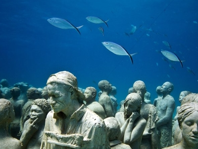 Under Water Sculpture