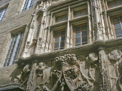 The Maison Des Tetes