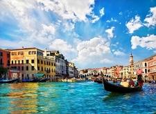 Venice Grand Canal Beneath Rialto Bridge