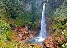 View Catarata Del Toro Waterfall