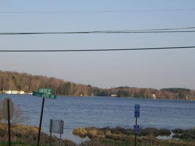 Viewof Lake Ariel