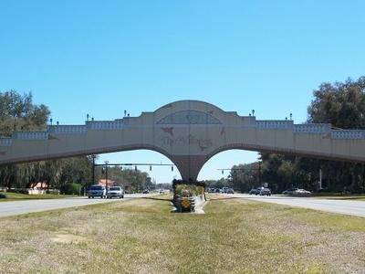 Villages  F L Golf Arch