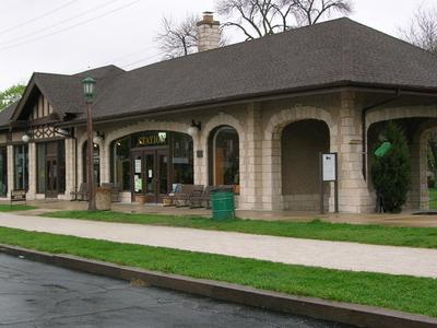 Villa Park Station