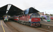 Various V/Line Morning Services On Platforms 1, 2 And 3