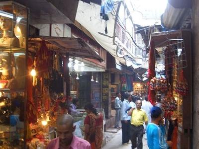 Way To Kashi Vishwanath Temple