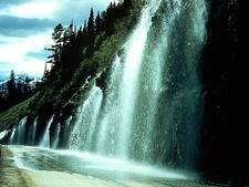 Weeping Wall - Glacier - USA