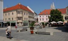 Wr Neustadt Hauptplatz West