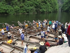 Yangtze Shennong Stream Tour Boats & Guides
