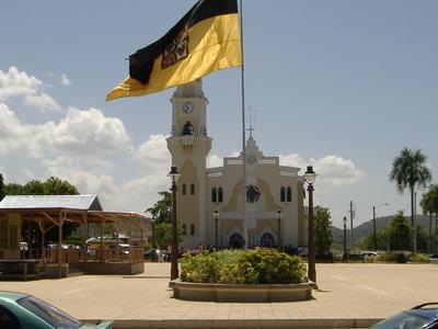 Yaucos Town Plaza