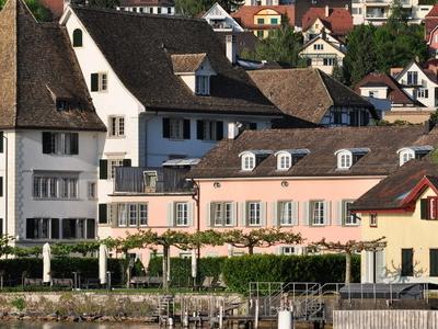 ZSG Landing Gate On Lake Zurich