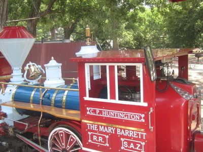 Train Carries Visitors Throughout Brackenridge Park