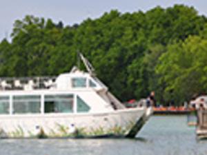 BANYOLES LAKE BOAT TOUR Photos