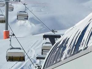Miraculous skiing tour Photos