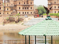 Private Same day Orchha Excursion from Khajuraho with drop at Jhansi Railway Station or Khajuraho