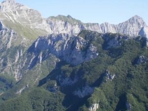 The Apuan Alps crest trail Photos