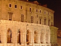 Travel back in time discovering Caesars Rome