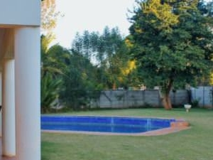 cosy cottage in sunny Harare