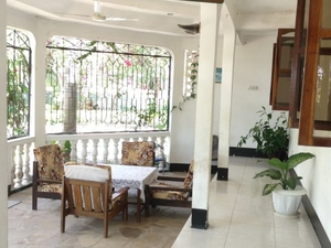 Private Room Available in Dar