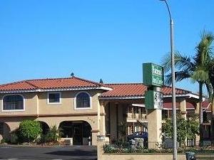AAE Anaheim Hacienda Inn