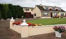 Lynolan House